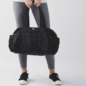 Lululemon Gym To Win Duffel Black F123